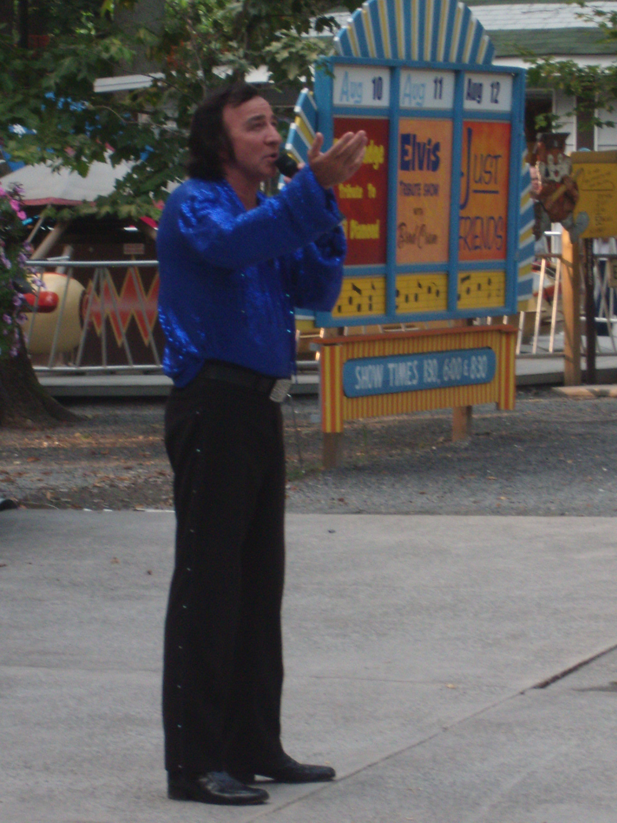 Tom Sadge performs as Neil Diamond at Knoebels Amusement Park in Elysburg PA. Photo: Marion Sadge